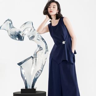 轻奢优雅艺术女装加盟 就选实力ECA女装!