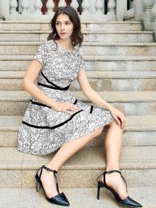 迪奥女装品牌连衣裙18新款