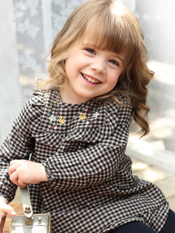 芭乐兔童装 留住宝贝天使般笑容