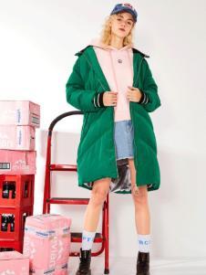 简惑新款绿色羽绒服