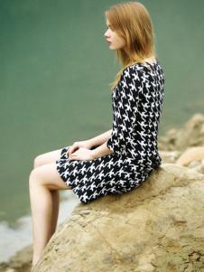 名歌新款黑白连衣裙