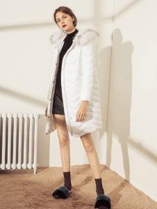简惑新款白色羽绒服