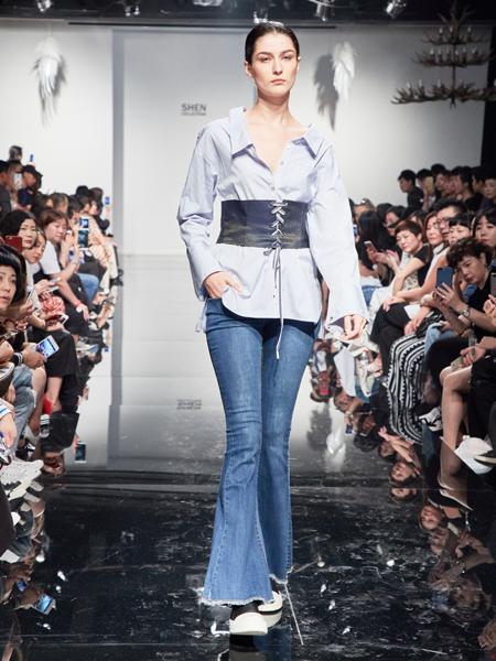 2018凯伦诗蓝色收腰衬衫