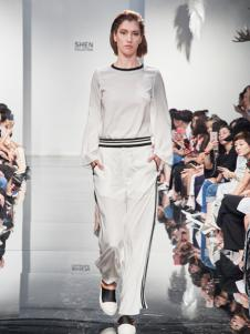 2018凯伦诗白色休闲套装
