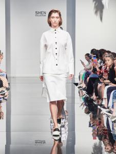 2018凯伦诗白色修身套装裙
