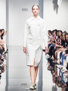 2018凯伦诗白色开叉连衣裙