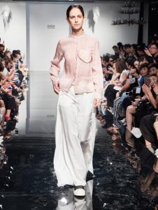 2018凯伦诗新品粉色时尚衬衫