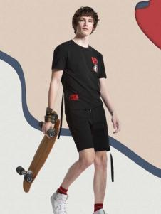 新升流派新款黑色胸前印花短袖T恤