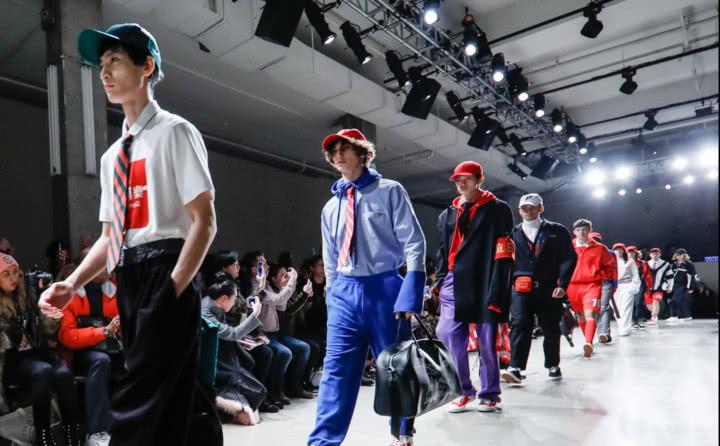 太平鸟纽约时代广场投广告 代表中国时尚有底气!