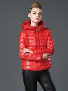 阿伊米女红色常规羽绒服
