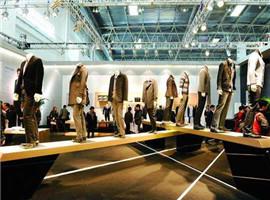 从2017中国服装行业行情看2018服装市场新趋势