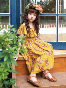 的纯童装时尚新品小碎花裙装