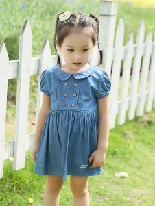 的纯童装时尚新品牛仔裙