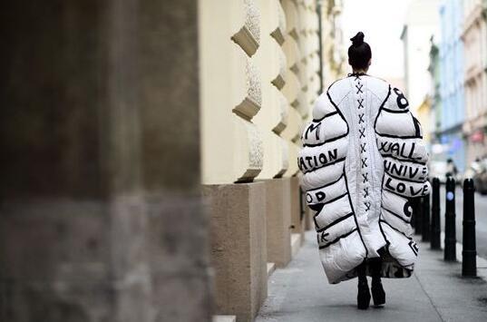 """街头潮流文化凭什么掌握服装品牌的""""生死大权""""?"""