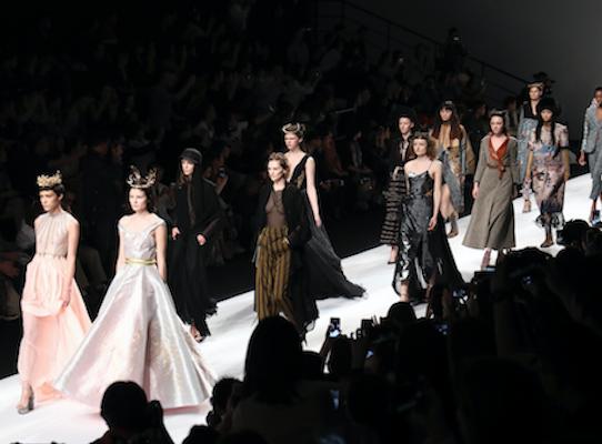 上海时装周| MOODBOX 2018AW《温柔的脊梁》主题秀