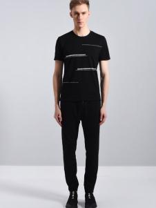 UNKUT恩咖男18黑色T恤