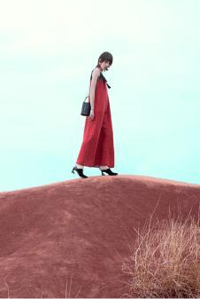 雾道女装2018红色裙子