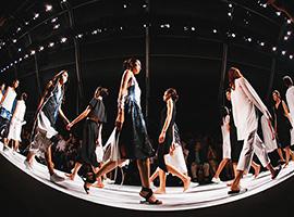 消费升级和时尚产业复苏 上海时装周商贸板块不断强化