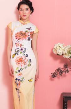 萧萍萍白色印花长款旗袍