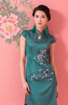 萧萍萍绿色印花短袖旗袍