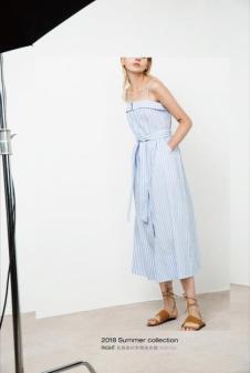 2018夏季新款吊带露肩连衣裙