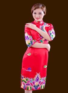 萧萍萍红色印花短款旗袍