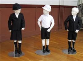 日本小学推出奢侈版阿玛尼校服