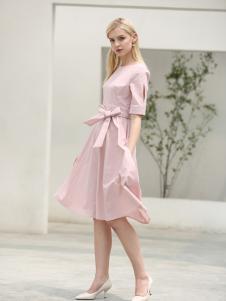 布伦圣丝新款粉色收腰连衣裙