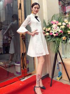 蔓黎国际女装白色蕾丝连衣裙