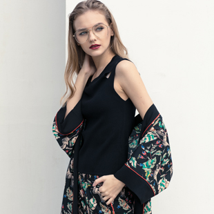 体会时尚潮流,感受时尚生活—【衣讯】女装期待您的加盟