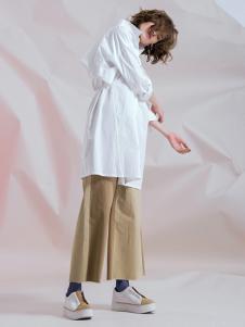 无轨女装无轨女装中长款棉麻衬衫