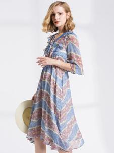 衣曲女装条纹连衣裙