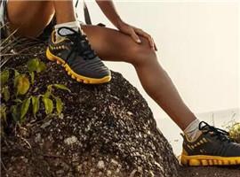 连鞋带都有GPS功能了,pLaces可精准定位166个国家