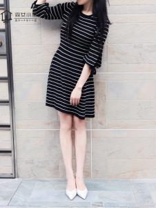 森女小屋新款黑白条纹连衣裙