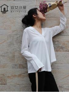 森女小屋新款白色T恤