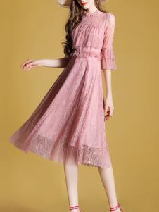 夺宝奇兵女装粉色连衣裙