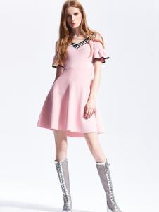 夺宝奇兵18粉色连衣裙