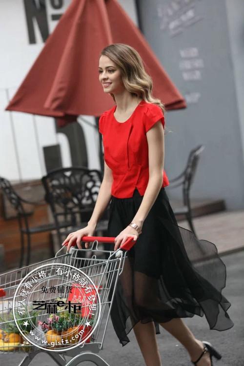 品牌服裝和折扣服裝的加盟優勢都在芝麻e柜【芝麻E柜女裝招商】