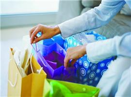 一季度限额以上单位服装鞋帽针纺织品类销售同增9.8%