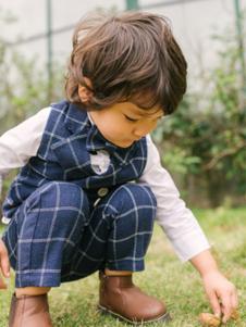 五月童品童装格子时尚套装