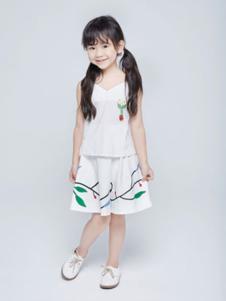 艾卡米勒童装白色印花套装裙