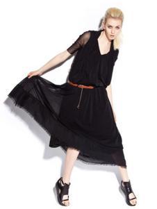 533女装黑色雪纺挂脖连衣裙