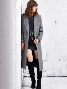 VOV女装灰色修身大衣