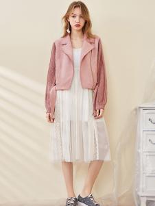 ONE MORE女装粉色pu外套