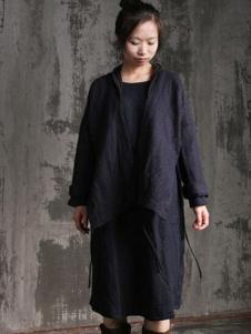 布言布语女装黑色宽松外套