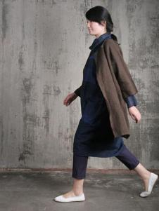 布言布语女装棕色开衫外套
