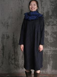 布言布语女装黑色格子连衣裙