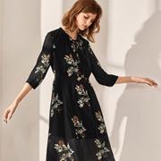 夏季连衣裙如何挑选?来布莎卡你的裙装为你备好