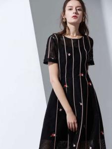 优衣美18新款连衣裙