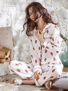 黛梦思女装白色水果长袖睡衣套装